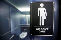 «Chaque fois que je me vois nu, je m'administre la preuve que je suis un intersexe»