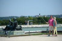 J'ose aimer… les touristes et leurs selfies, j'ose détester… les piétons à Paris