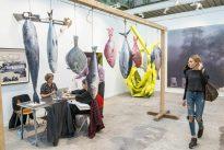 Artistes et acheteurs : légers accrochages