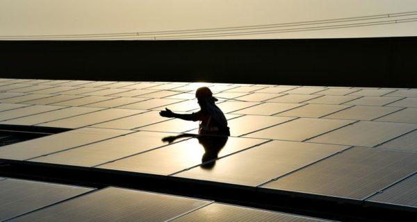 Avec l'Inde, le solaire selève au Sud