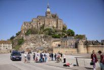Mont-Saint-Michel évacué: le suspect mis en examen et placé et détention