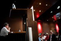 Immigration: Jean-Luc Mélenchon tente de dissiper les ambiguïtés