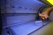 L'agence de sécurité sanitaire demande la fermeture des cabines de bronzage