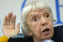Russie: la doyenne des défenseurs des droits de l'homme, Lioudmila Alexeïeva, s'est éteinte