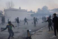 Algérie: face aux manifestants, deux camps ensuspens