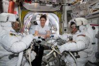 La première sortie 100% féminine dans l'espace annulée, faute de combinaison à la bonne taille