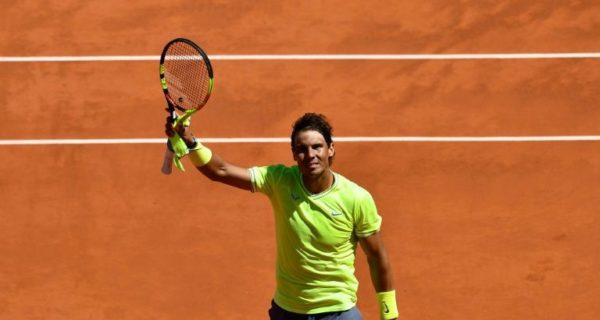Roger Federer emporté par les rafales et Nadal