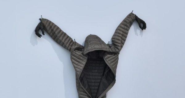 Annette Messager, des doudounes etdes limbes