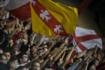 Homophobie: le deux poids deux mesures du football français