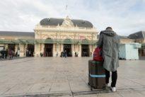 Conflit à la SNCF : les trains repartent, les cheminots tempêtent