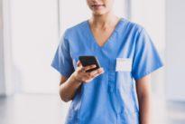 Coronavirus: sur Facebook, les infirmières organisent leurs réseaux